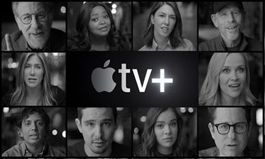 Collage in bianco e nero di volti: sono attori e registi di Apple Original. Tra gli altri, Jennifer Aniston, Octavia Spencer, Steven Spielberg e M. Night Shyamalan.